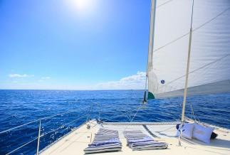 Private catamaran IN-HA