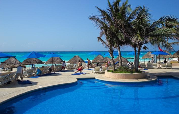 Main Pool at the Reef Playacar