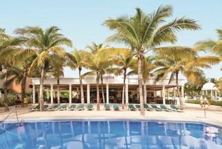 Riu Lupita pool area