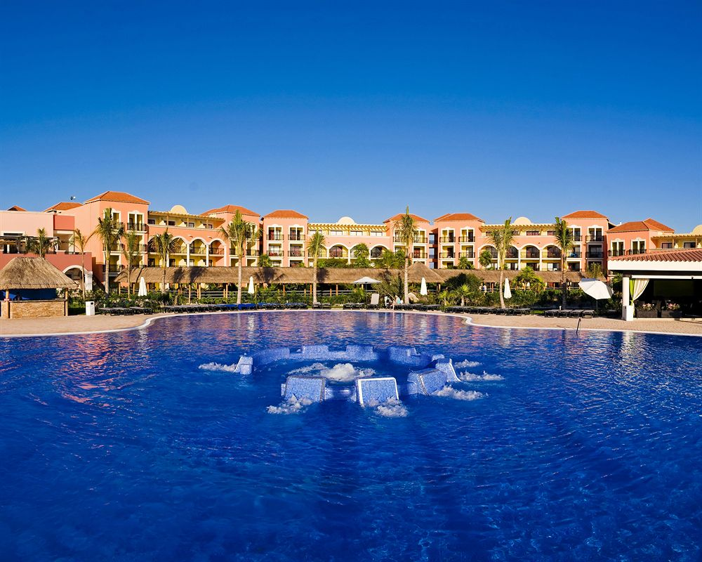 Marina El Cid main pool